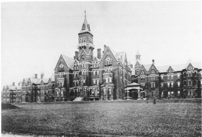 hell house on the hill, scary places, haunted places, husband and husband, jonathan l ferrara, aaron ferrara, haunting, haunted, halloween, old asylums, asylums, abandoned asylums, abandoned hospitals, Danver state hospital, The Danvers Lunatic Asylum
